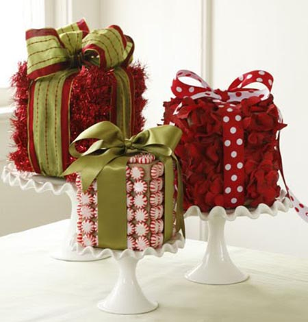 Best christmas centerpieces ideas christmas celebration all red and minty christmas centerpiece talk of elegance and style a touch of class and sophistication is all you will get with the gift wrap arrangement solutioingenieria Gallery