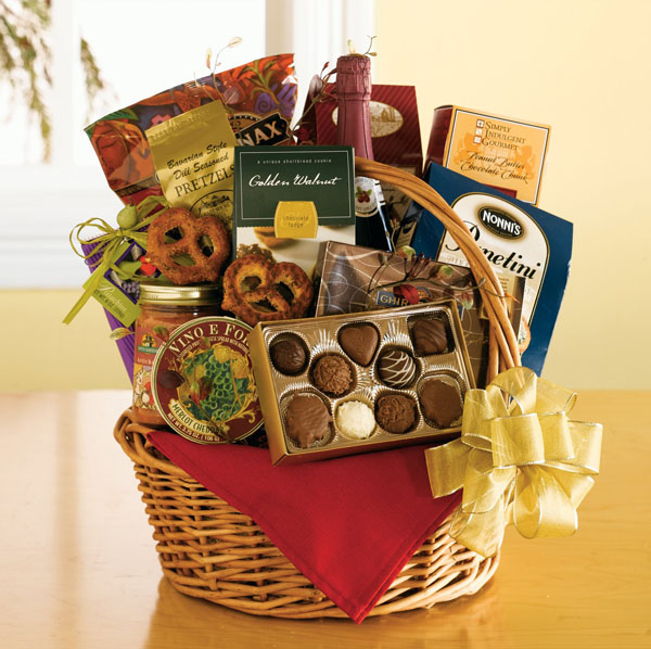 christmas-gift-basket-for-couples