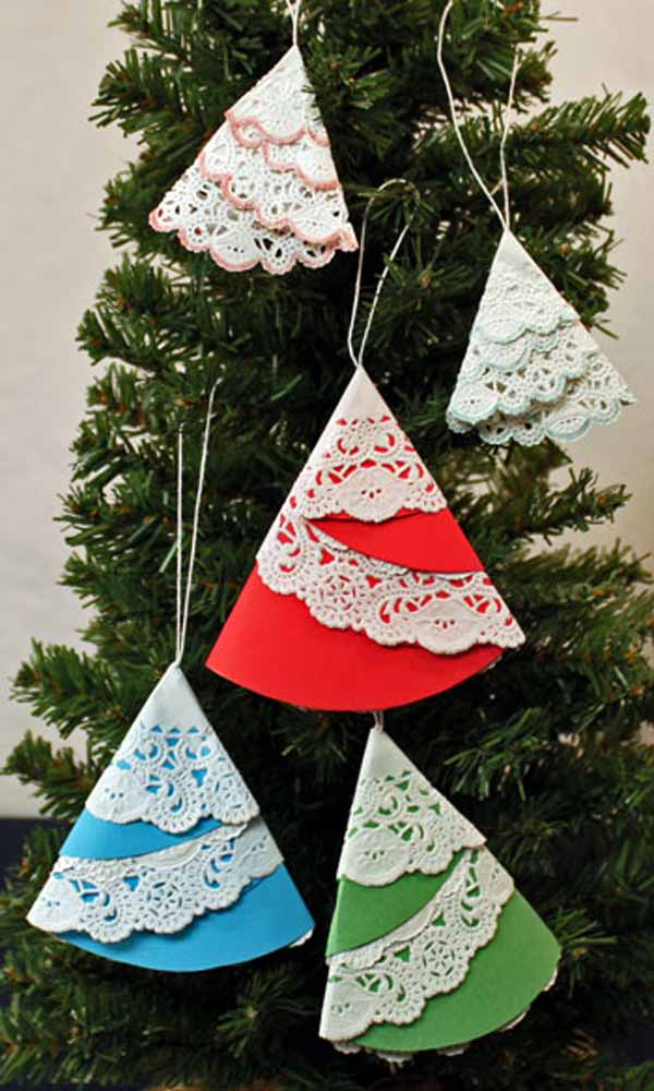 paper-doily-folded-christmas-tree-ornament