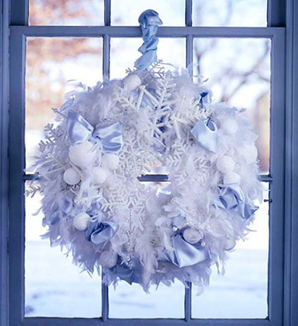 white-christmas-wreath
