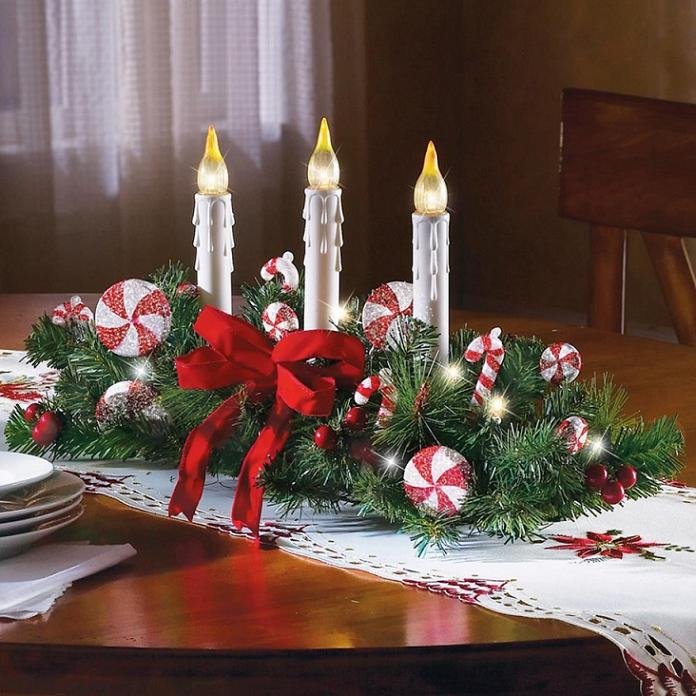 Charming-Teak-Wood-Round-Dining-Table-with-Christmas-Decoration-feat-Chandle-Light-and-Table-Wreaths-Christmas-Ideas