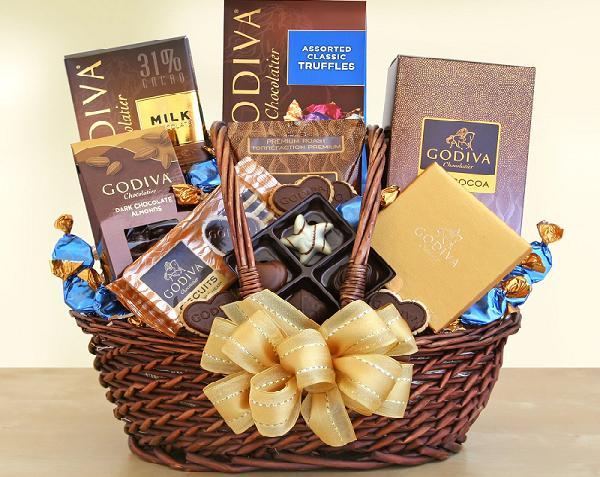 image : http://www.giftbaskets.com/holiday-gift-baskets/christmas/godivaexecutivestylegiftbasket.cfm