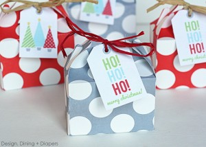 DIY Christmas favors can be a lot of fun. And cheap, too! Photo Credit: http://designdininganddiapers.com/wp-content/uploads/2012/12/IMG_7835.jpg