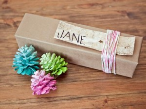 Print out names and personalize your favors instantly! Photo Credit: http://hgtv.sndimg.com/HGTV/2012/10/24/Original_Michelle-Edgemont-Holiday-Favors-Ombre-Pinecone-Ornaments-Beauty_s4x3_lg.jpg