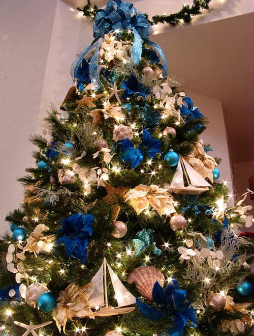 blue-christmas-tree-decorations