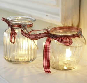 Candle Jars are super easy to make and you can even put other items in them, like candies, money etc Photo Credit: http://penelopesoasis.com/wp-content/uploads/2011/11/christmas-candles.png