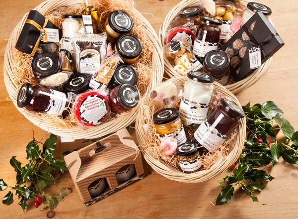 christmas-food-hampers-1