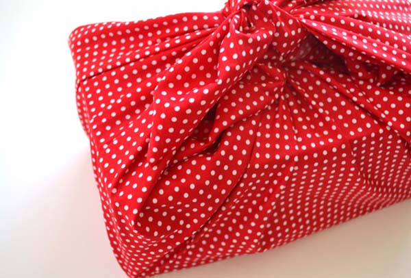 christmas-wrapping-ideas-using-fabric