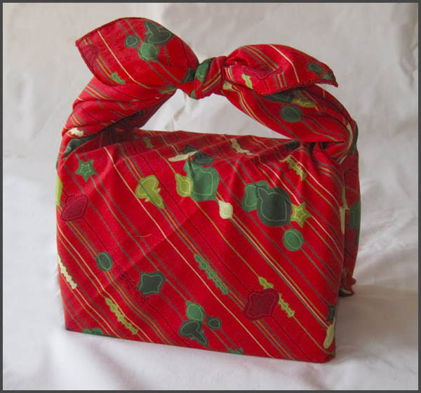 christmas-wrapping-ideas-using-re-usable-gift-bags