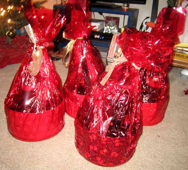colorful-cellophanes-christmas-wrapping-ideas