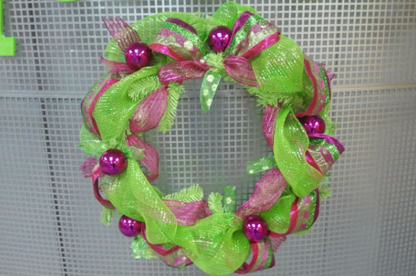 deco-mesh-wreath
