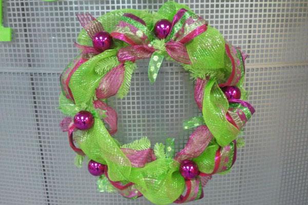 deco-mesh-wreath