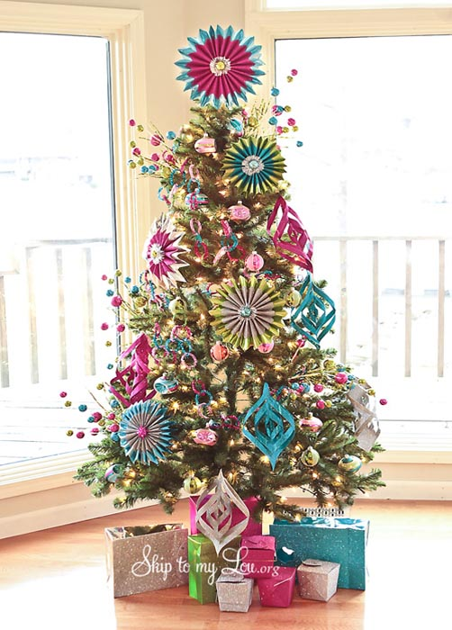 Modern Christmas Tree Decorating Ideas | animalgals