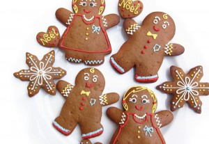Gingerbread Man cookies taste great and make simple Christmas favors.