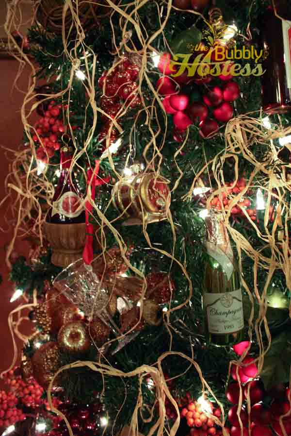 grape-and-wine-christmas-tree-3