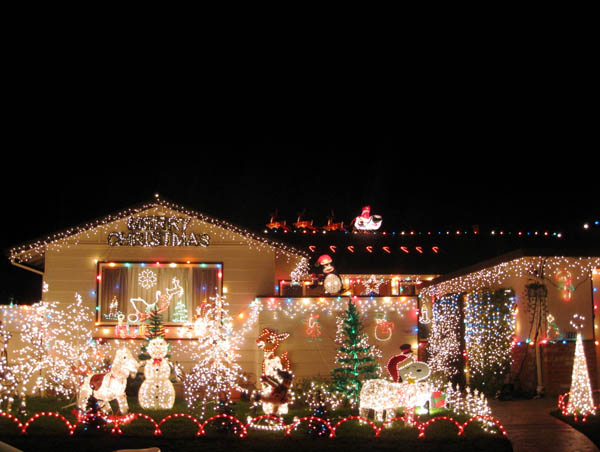 Captivating Outdoor Christmas Decoration Ideas