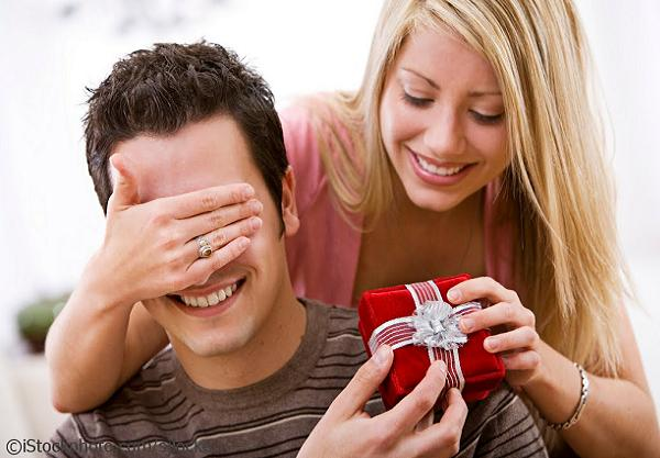 romantic-christmas-gifts-for-boyfriend