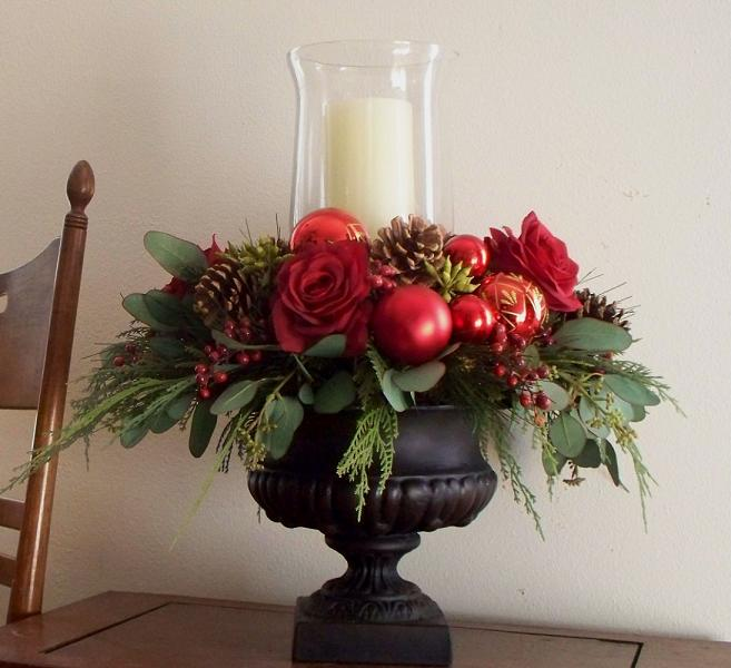 Homemade christmas decorations and christmas centerpieces for Small flower decorations for tables