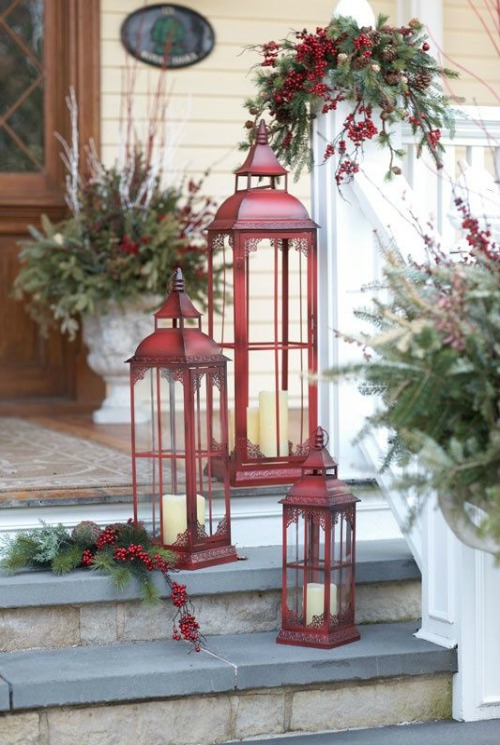 outdoor-christmas-lantern