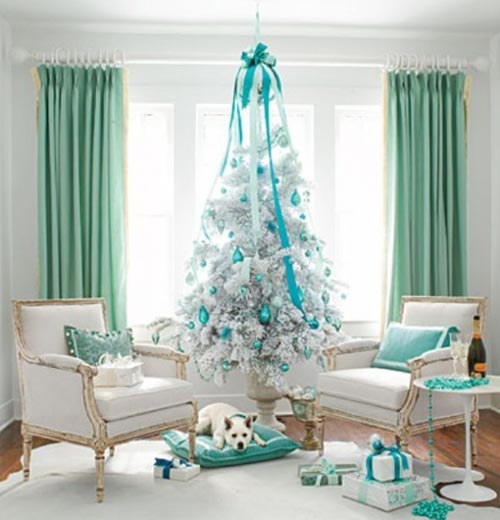 white-christmas-tree-decoations