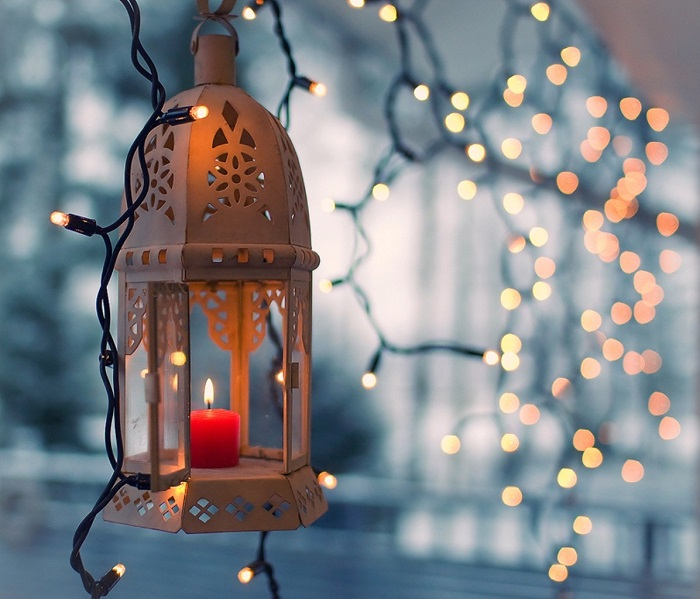 Wonderful Christmas Lantern Lights