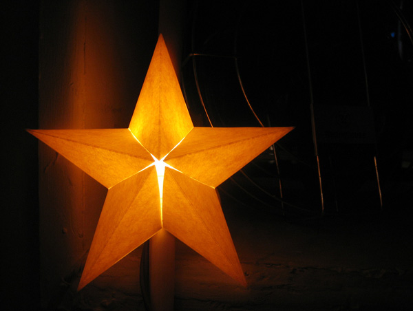 christmas star lights as easy outdoor christmas decorations - Christmas Star Decorations