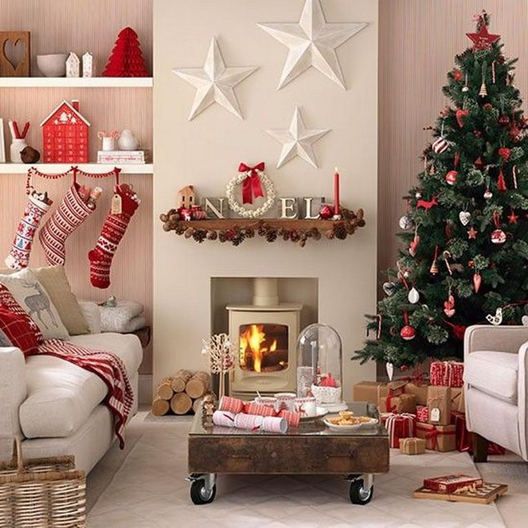 Lovely christmas decoration ideas for your home for Red and green christmas decorations