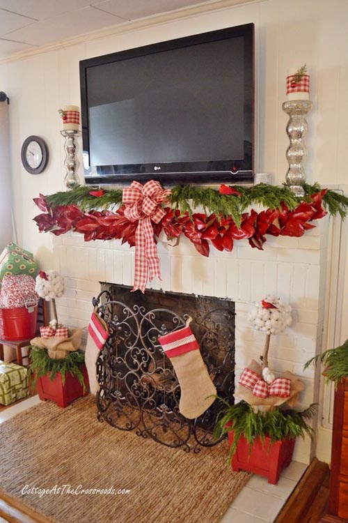 Christmas Fireplace Decorating Ideas 19