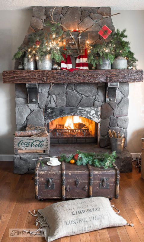 christmas-fireplace-decorating-ideas-23