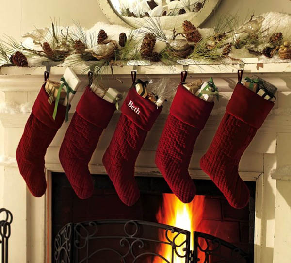 christmas-fireplace-decorations-mantle