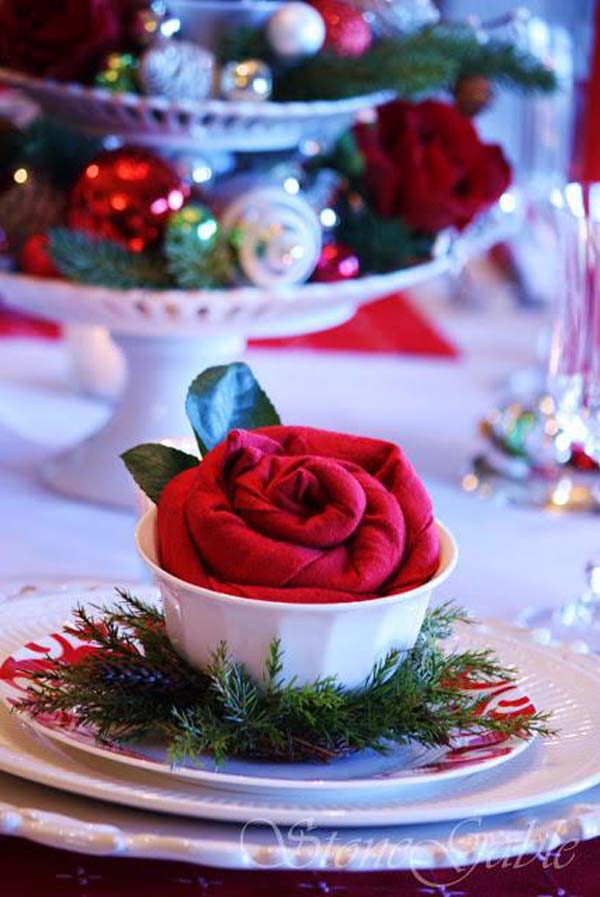25 breathtaking christmas wedding ideas christmas celebration christmas wedding decorations ideas junglespirit Image collections