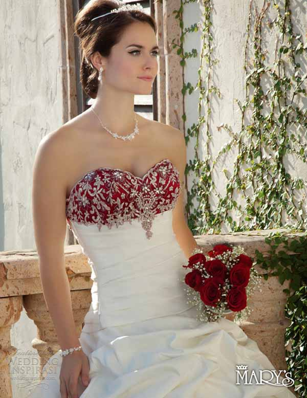 christmas-wedding-dress-ideas