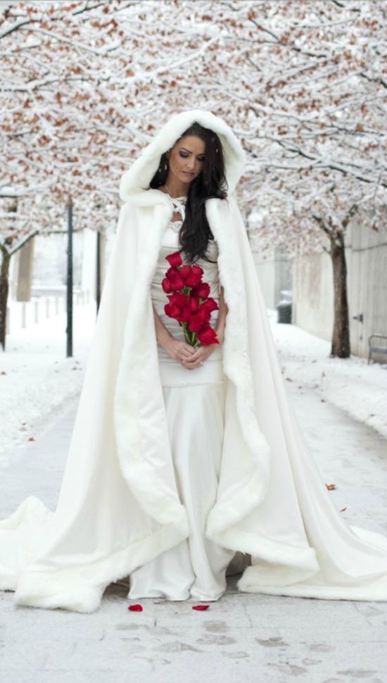 25 Breathtaking Christmas Wedding Ideas - Christmas Celebration ...