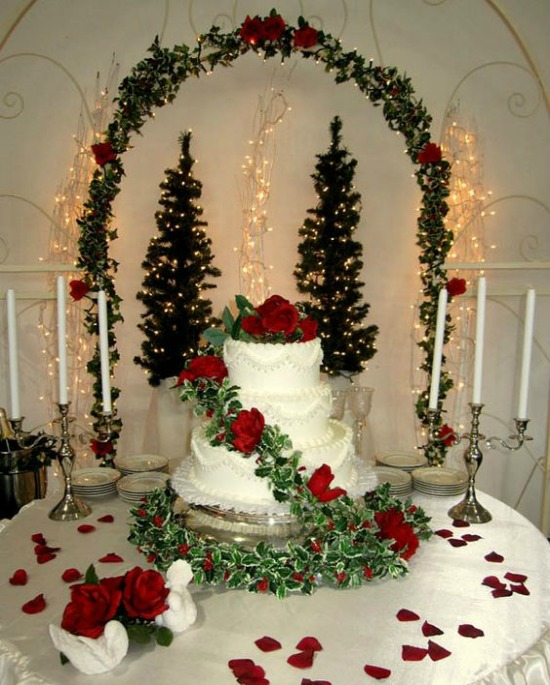 25 breathtaking christmas wedding ideas christmas celebration winter wedding setting junglespirit Image collections