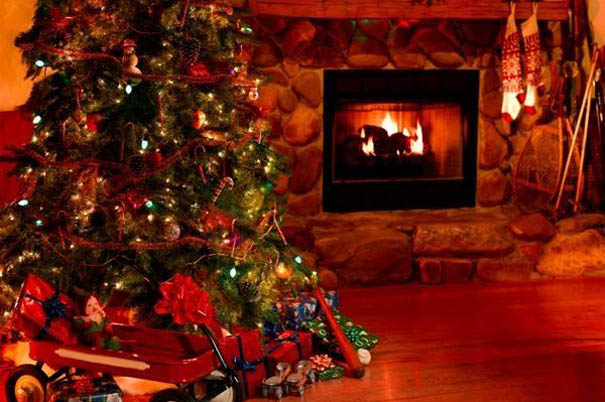 fireplace-christmas-decorating-idea