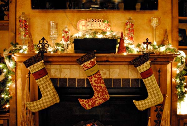 fireplace-christmas-decoration