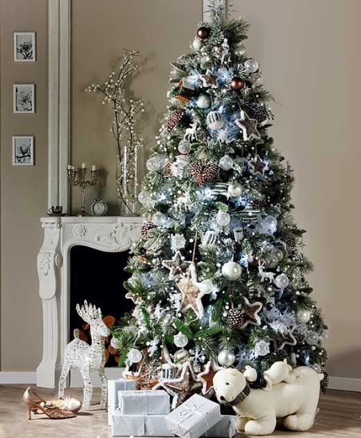 Christmas tree ideas for christmas 2018 christmas for Unique christmas tree themes