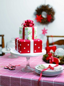 An Elaborate Christmas Cake. Photo Credit: ideas.stitchcraftcreate.co.uk