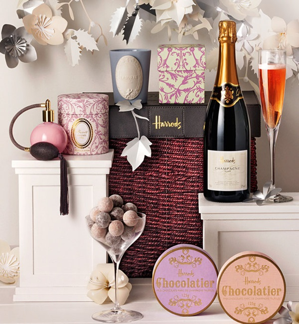 Perfect Christmas Gift Hamper for Women. Photo Credit: uk.lifestyle.yahoo.com