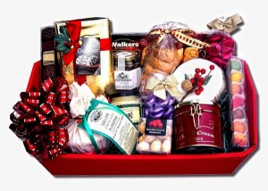 Christmas Food Hamper. Photo Credit: www.thehamperandgiftplace.co.uk