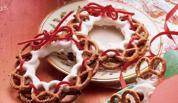 Pretzel Wreaths