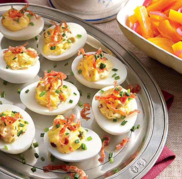 Minimize the stress of hosting with these deceptively simple appetizers. Whether you make them in advance or minutes before your party starts, the hors d'oeuvres recipes here will keep you out of the kitchen and mingling with your guests.