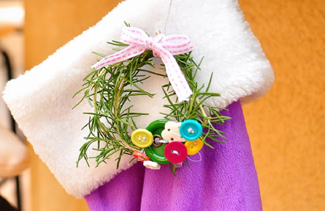 Homemade-Christmas-Ornaments-for-Kids-Small-Christmas-Bough