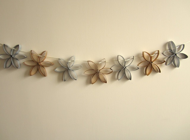 Homemade-White-Christmas-Decorations-paper-star-garland