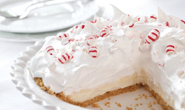 No-Bake-Christmas-Cakes-Peppermint-Pie-with-White-Chocolate