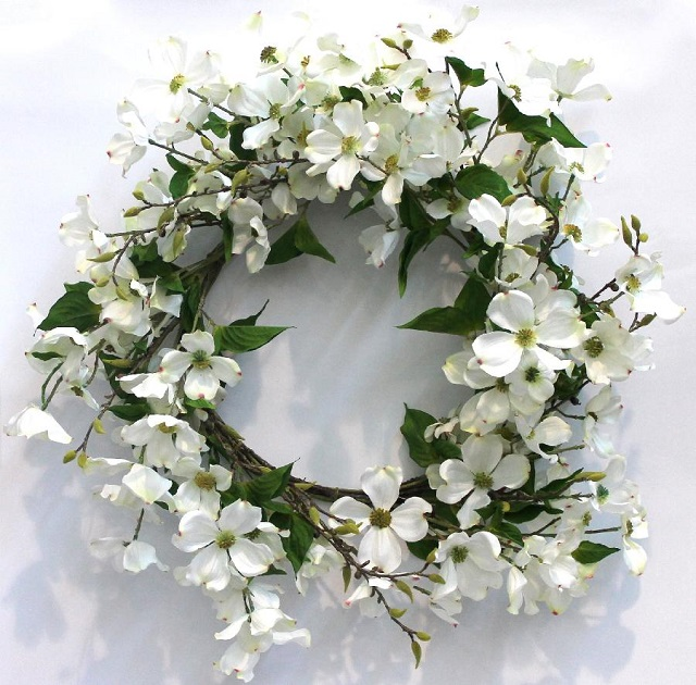 White-Christmas-Decoration-Ideas-White-Flower-Wreath