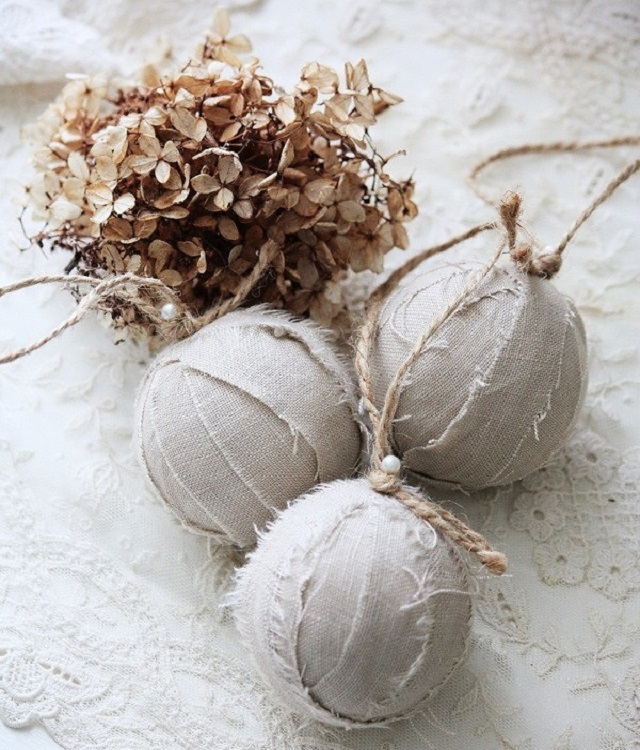 White-Christmas-Ornament-Ideas-Rustic-Christmas-Balls