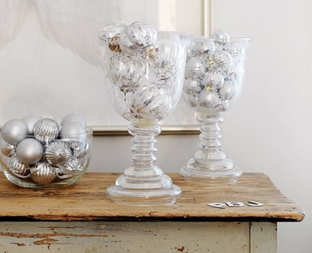 White-Christmas-Table-Decorations-christmas-balls