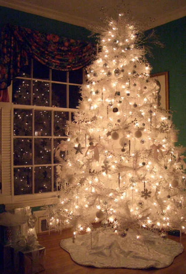 White-Christmas-Tree-Ideas-all-white-tree