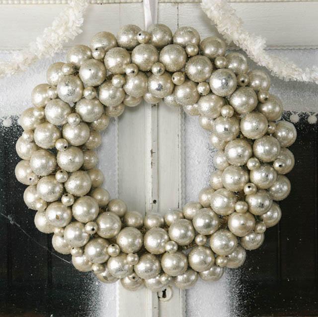 christimas-ornament-craft-ball-wreath